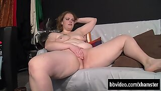 Fat german milf masturbating